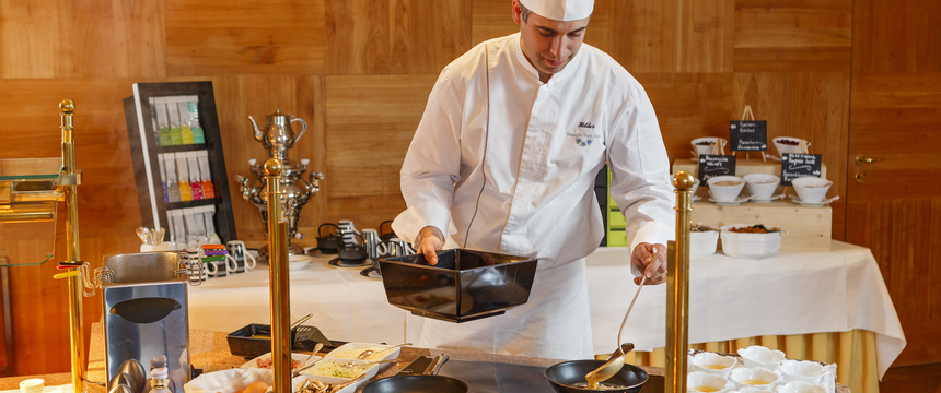 Switzerland_Wengen_Hotel-Beausite-Park-Jungfrau-Spa_live-egg-chef.jpg